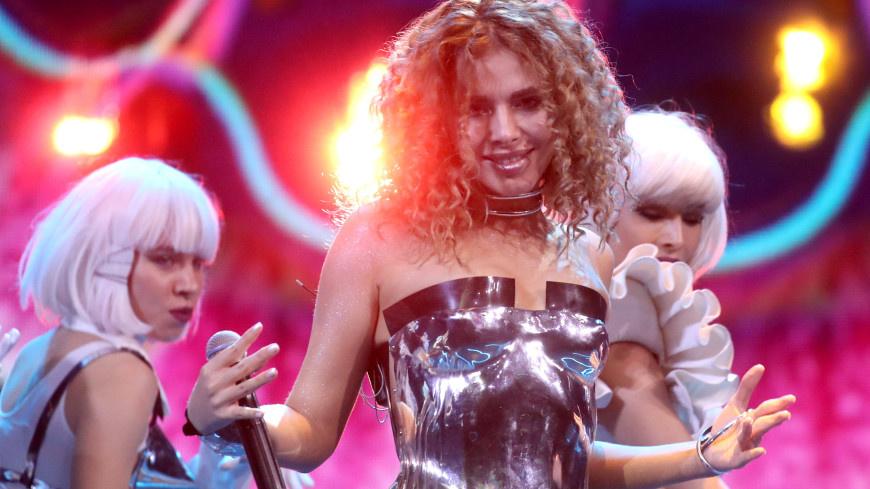 Анна Плетнева отработала концерт после известия о тяжелом ДТП с мужем